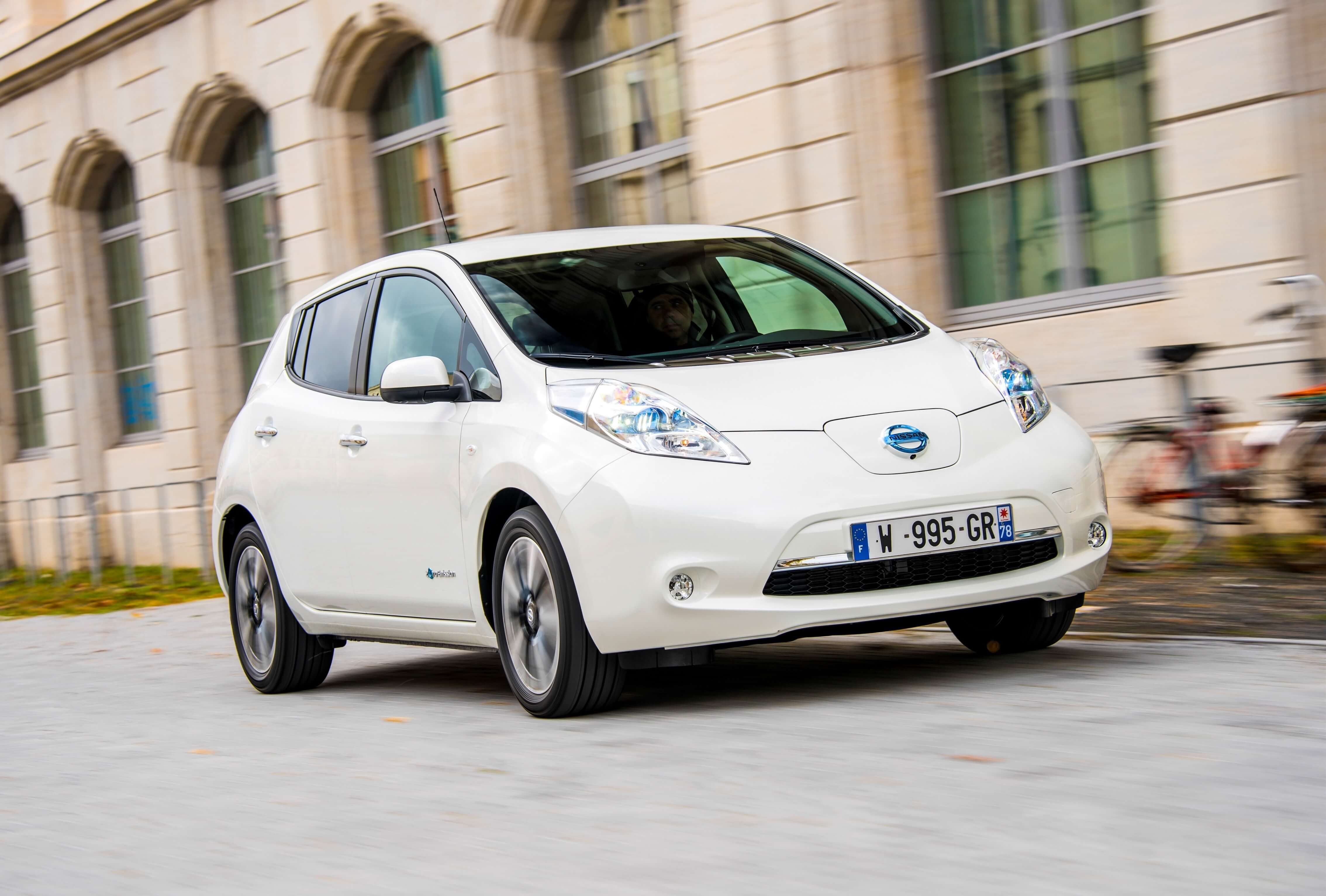 Nissan LEAFcompresed